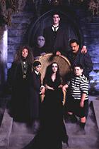 Постер сериала Новая семейка Аддамс